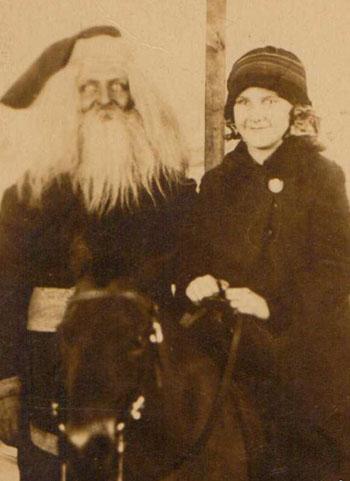 Ghost-Santa-Clause1.jpg